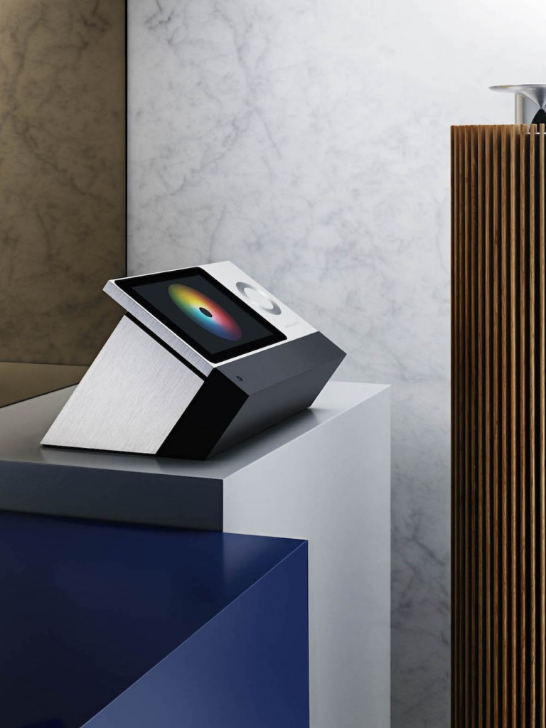 Bang_a_Olufsen_BeoSound_Moment_Lifestyle_2