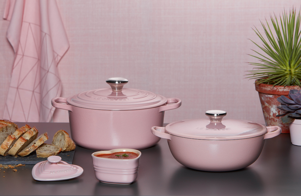chiffon pink von le creuset. Black Bedroom Furniture Sets. Home Design Ideas