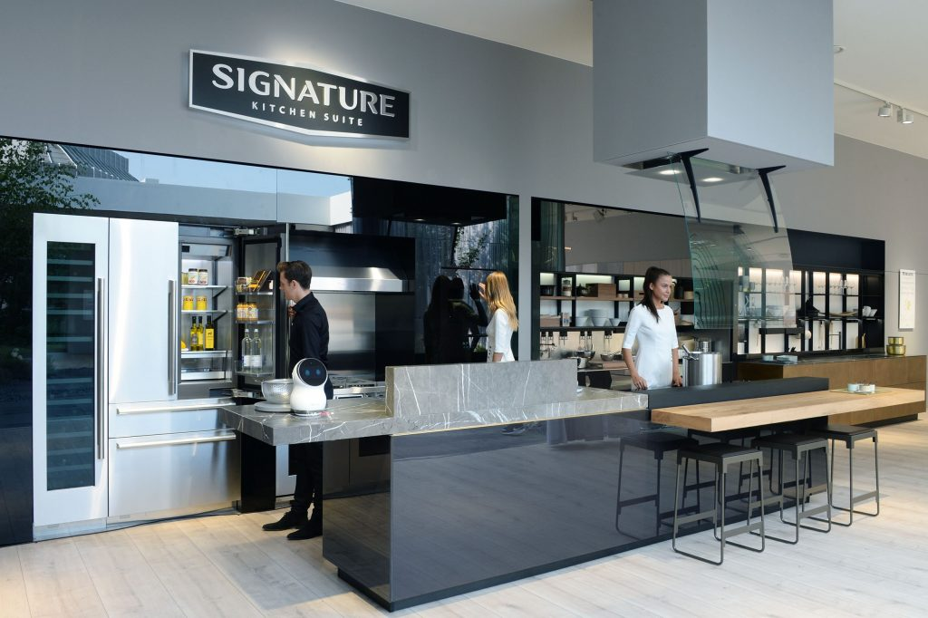 LG BRINGS ULTRA ELEGANCE TO HOMES WITH EUROPEAN DEBUT OF SIGNATURE KITCHEN SUITE